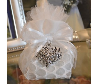 AF735 Italian Pouch wedding favors with Heart pendant