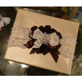 GF22 Gift Wrapping with Rhinestone Brooch