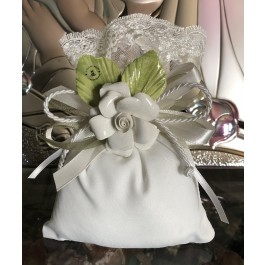 AF601 Italian pouch wedding favor bomboniere with capodimonte flower