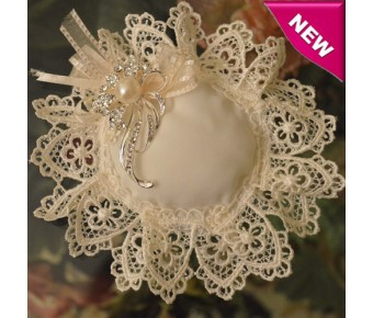 CF600 Italian Confetti Flower with Macrame and Brooch