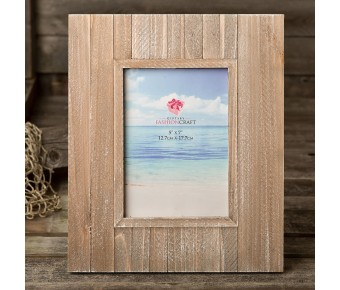 12219 Distressed wood wide border 5 x 7 frame from gifts by fashioncraft