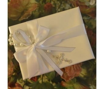 GF11 Gift Wrapping with Rosary and Personalized ribbon