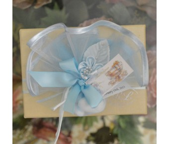 GF10 Tulle with Confetti, flower and favor tag