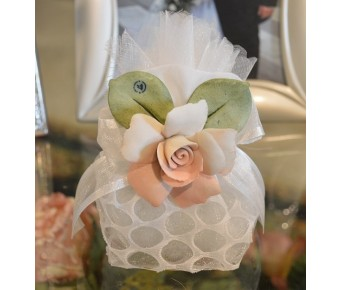 AF750 Italian Pouch wedding favors with Capodimonte Flowers