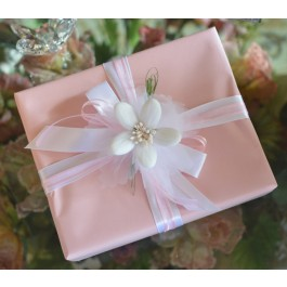 GF01 Gift Wrapping with Sulmona Flower