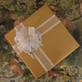GF17 Gift Wrapping with Confetti flower 50th Wedding Anniversary