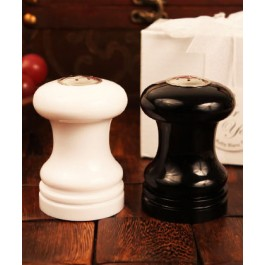 "RB1119 ""Accents of Love"" Salt and Pepper Shaker Set"