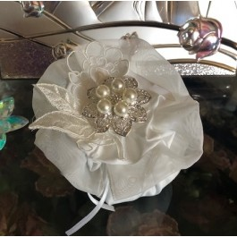 HC175 Haute Couture Pouch Wedding favors Bomboniere with rhinestone Brooch