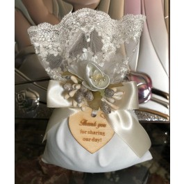 AF605 Elegant Italian wedding favor bomboniere with craft flower and wooden tag