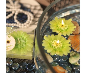 "RB7852AG ""Floating Florals"" Apple Green Flower Daisy Floating Candle"