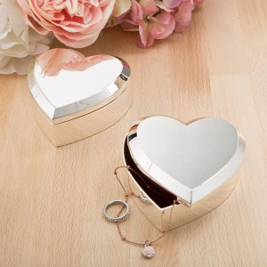 52002 Large Silver heart box with Beveled edge
