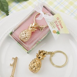 8974 Warm Welcome Collection gold pineapple themed key chain