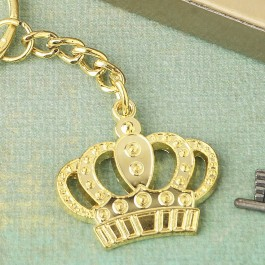 5283 - Gold metal crown design Keychain