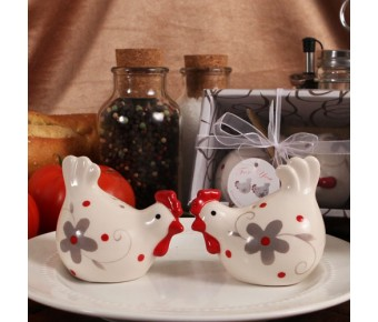 """RB1127 """"Kitchen Chickens"""" Salt & Pepper Shakers"""