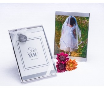 "A11016 ""Cherished Moments"" Photo Frame Favor"