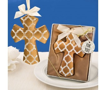 8746 Gold Hampton link design Cross Ornament from fashioncraft