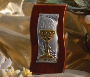 RL410Italian Silver Chalice icon on a wood stand