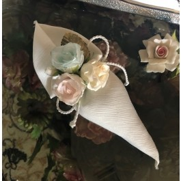 HC140 Haute Couture Cone Wedding favors Bomboniere with craft Flowers