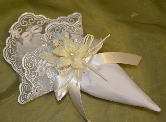 Cone Favor Bag With Craft Flower Wedding Favors Bomboniere
