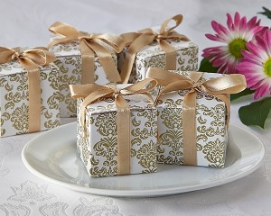 """A21006 """"Classic Damask"""" Favor Box in Gold (24 Pack)"""