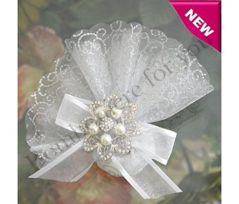 AF230 Organza Circle with Silver Glitter and Brooch