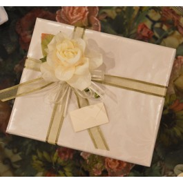 GF15 Gift wrapping with Craft flower and Bigliettino (favor tag)
