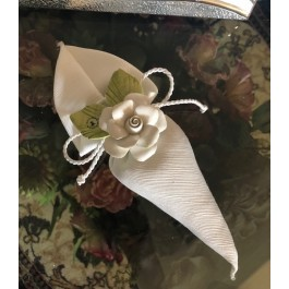 HC145 Haute Couture Cone Wedding favors Bomboniere with Capodimonte Flower