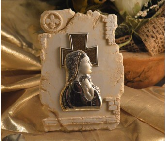 RL880 Mother and Child icon on a Marble dust texture stand